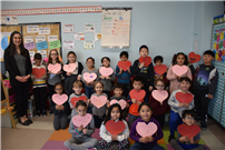 East Meadow Students Create Valentines for Veterans photo 3 thumbnail162193